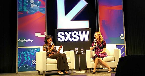 Cheryl Boose Isaacs, presidente da Academia, e a roteirista Allison Schroeder (Crédito: Igor Ribeiro)