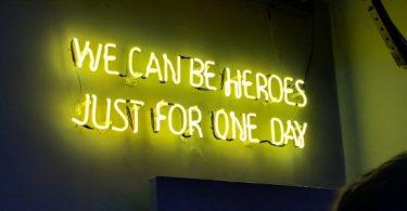 Marcas e a nossa busca por novos heróis