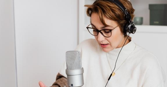 Qual é o poder da voz em transformar a presença online?